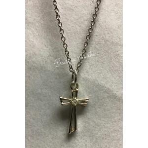 Pendentif croix avec chaîne